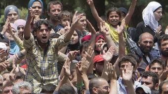 Immer mehr Menschen fliehen in die Türkei oder nach Libanon