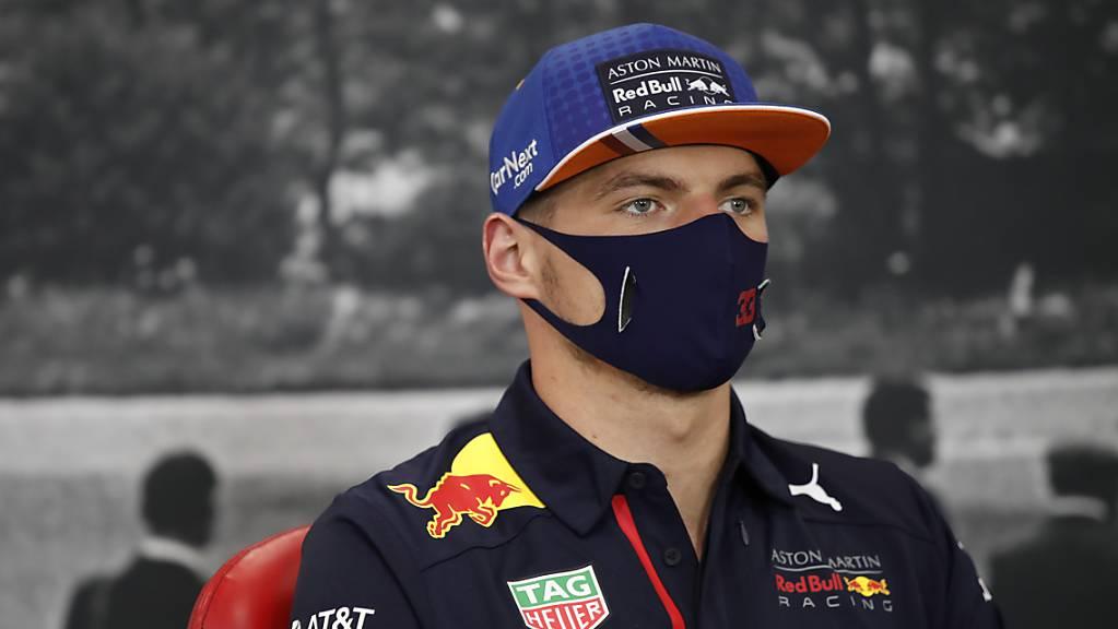 Max Verstappen im Red Bull war im zweiten Training einen Hauch schneller als Daniel Ricciardo im Renault und Lewis Hamilton im Mercedes