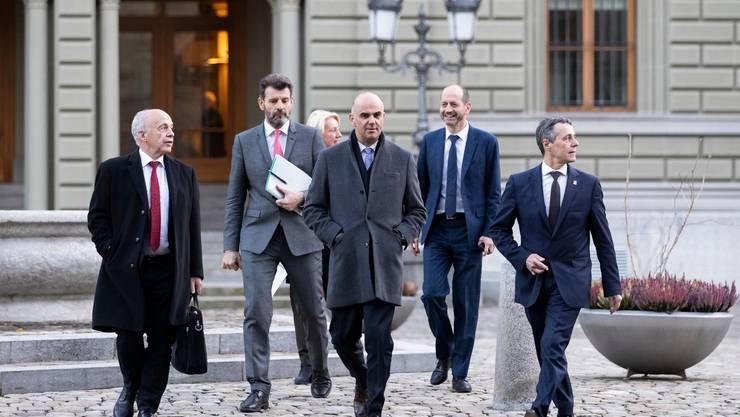 Das Rahmenabkommen beschäftigt mehrere Bundesräte. Chefunterhändler Balzaretti (2. von links) muss wohl abtreten.