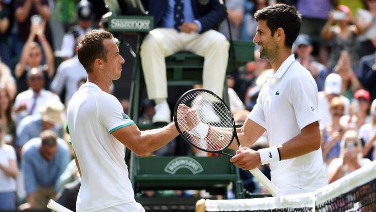 So hat alles begonnen: Leicht tänzelt Djokovic durch die erste Runde, besiegt den Deutschen Philipp Kohlschreiber 6:3, 7:5, 6:3.
