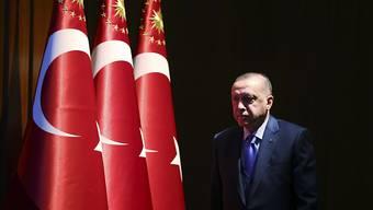 Der türkische Staatschef Recep Tayyip Erdogan sagte dem Fernsehsender CNN Turk, Ankara habe mit der Truppenentsendung nach Libyen begonnen. (Archivbild)