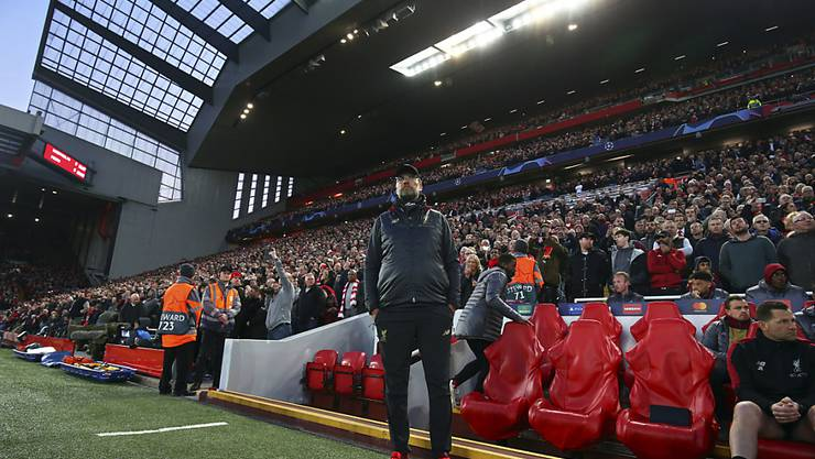 Liverpool und Trainer Jürgen Klopp blicken am Mittwochabend gespannt Richtung Manchester