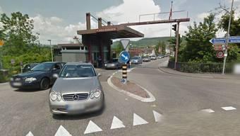 Für die Verkehrsteilnehmer, die von Rheinheim her in die Schweiz kommen, ist dann Geduld gefragt.
