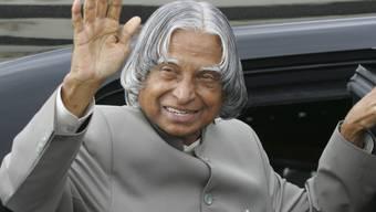 Der frühere indische Präsident A.P.J. Abdul Kalam bei einem Auftritt während seiner Amtszeit 2006. Kalam starb am Montag überraschend. (Archiv)