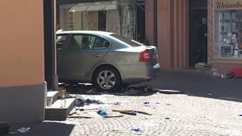 Auto rast in Strassencafé in Bad Säckingen - zwei Tote