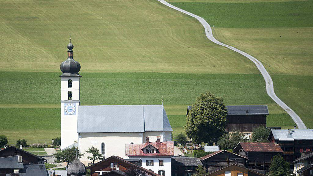 72 Prozent der Schweizerinnen und Schweizer möchten in einem Dorf leben  - aber bitte mit gutem ÖV und Anbindung ans Strassennetz. Im Bild die Gemeinde Flims GR.