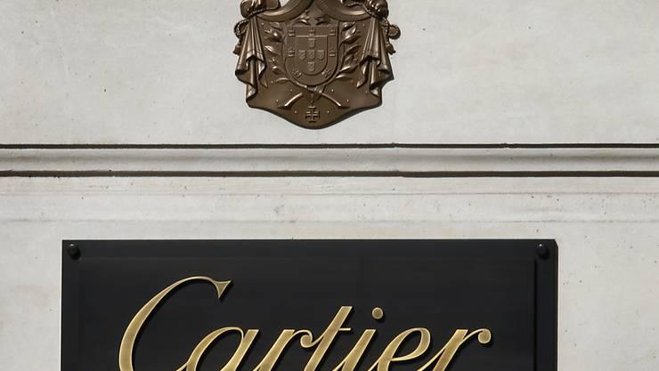 Der Luxusgüterkonzern Richemont mit der Schmuckmarke Cartier hat im Weihnachtsquartal den Umsatz gesteigert. (Archiv)