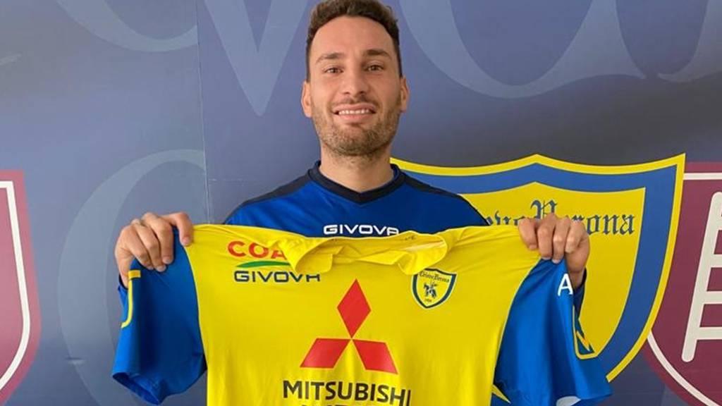 Francesco Margiotta unterschreibt in der Serie B