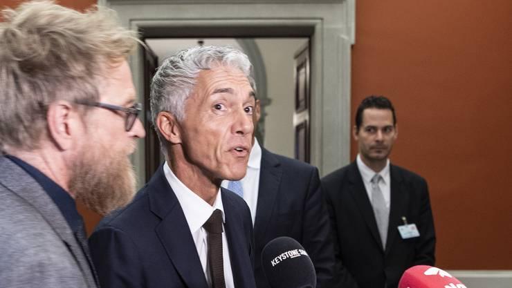 Gedächtnisschwund: Bundesanwalt Michael Lauber, rechts, und sein Pressechef Andre Marty im September 2019 nach Laubers Wiederwahl in Bern.