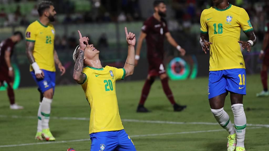Brasilien weiterhin mit dem Punkte-Maximum