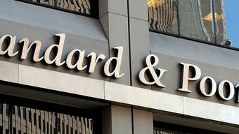 Als Folge des Brexits: S&P senkt als erste Ratingagentur die Bonität Grossbritanniens.