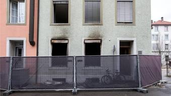 Das Wohnhaus an der Wengistrasse in Solothurn am Morgen nach der Brandkatastrophe.Alexandra Wey/Keystone