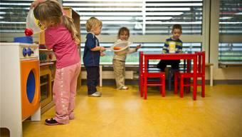 Auch die Gemeinde Riedholz will die Vereinbarkeit von Familie und Beruf fördern. (Archivbild)