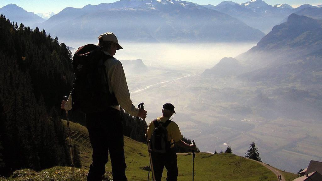 «Im Frühtau zu Berge wir gehn, fallera» - wenn da nur nicht die anderen Wanderer wären. (Symbolbild)