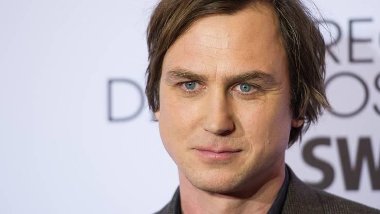 """Er ärgert sich gerade ziemlich über schlechte Kritiken für seinen neuen Film """"Die Blumen von gestern"""": Schauspieler Lars Eidinger."""
