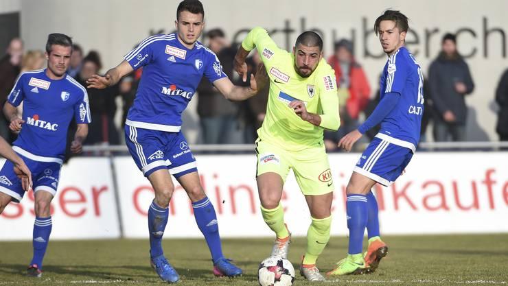 Im letzten Aargauer Derby konnte sich der FC Aarau knapp mit 2:1 durchsetzen.