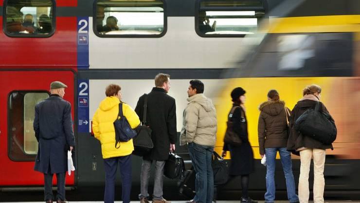 Pendler warten vergebens: In der Ostschweiz halten die Intercity nicht immer an den geplanten Halten.