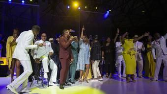 Ein gemeinsames Konzert zahlreicher Musiker bildete den Auftakt in die Feierlichkeiten zu Ehren von Aretha Franklin in Detroit.