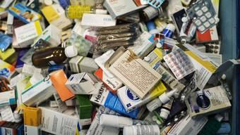 Abgelaufene und nicht mehr benötigte Medikamente nehmen Zürcher Apotheken und Drogerien in den kommenden Wochen wieder zurück. (Symbolbild)