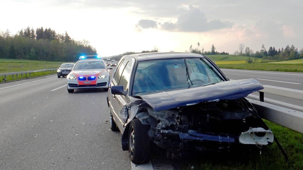 Die Autofahrerin blieb trotz Aufpralls unverletzt.