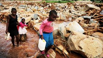 Wirbelsturm Idai sorgte auch in Simbabwe für Tod und Verwüstung. Heks sammelt für die Menschen in Not. Doch aus Simbabwe zieht sich das Hilfswerk der evangelischen Landeskirchen dieses Jahr zurück.