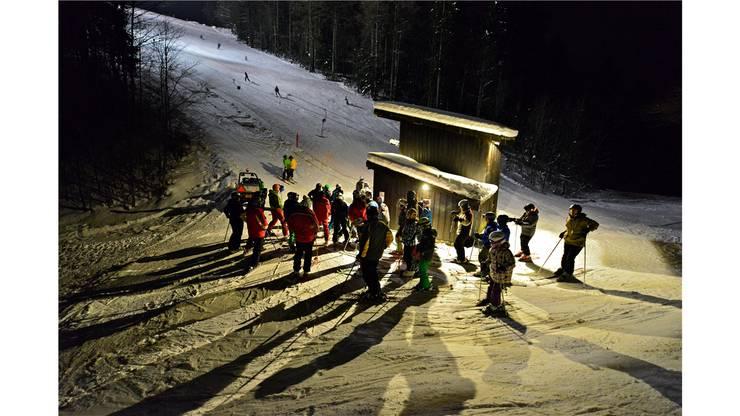 Jeweils mittwochs und freitags kann man auf dem Grenchenberg Nachtskifahren.