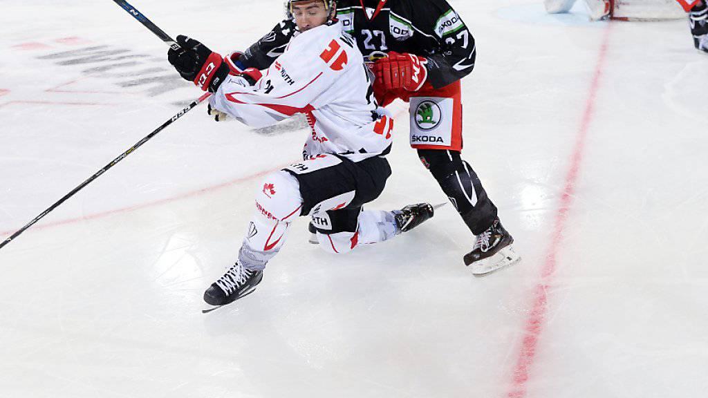 Titelverteidiger Team Canada mit Chris Kelly startete mit einem Sieg in den Spengler Cup