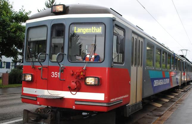 Das Bipperlisi ist vom Hauptbahnhof in Richtung Riedholz unterwegs, als es beim Überqueren des Kreisverkehrs einen weissen Lieferwagen seitlich erfasst.