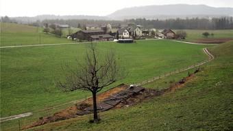 Der alte Scheibenstand in Rütihof, im Hintergrund Muntwil und Müslen. AF.