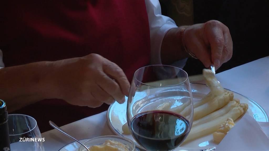 Speis und Trank endlich wieder drinnen möglich: Restaurants sind über Wiedereröffnung erleichtert