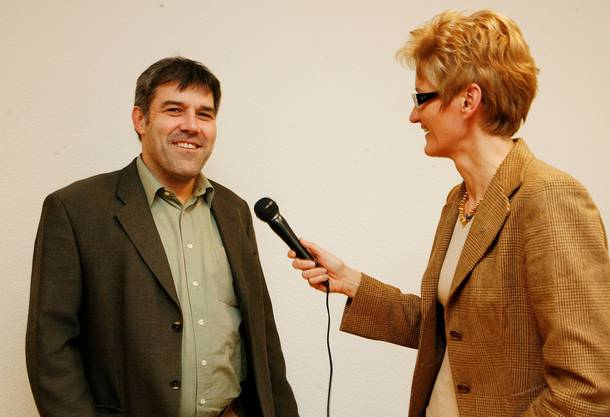 Vor den Wahlen 2007 lässt die bz alle Regierungskandidierenden untereinander interviewen. Sabine Pegoraro – mit deutlich frecherem Haarschnitt als heute – trifft auf den noch recht jugendlich wirkenden Eric Nussbaumer.