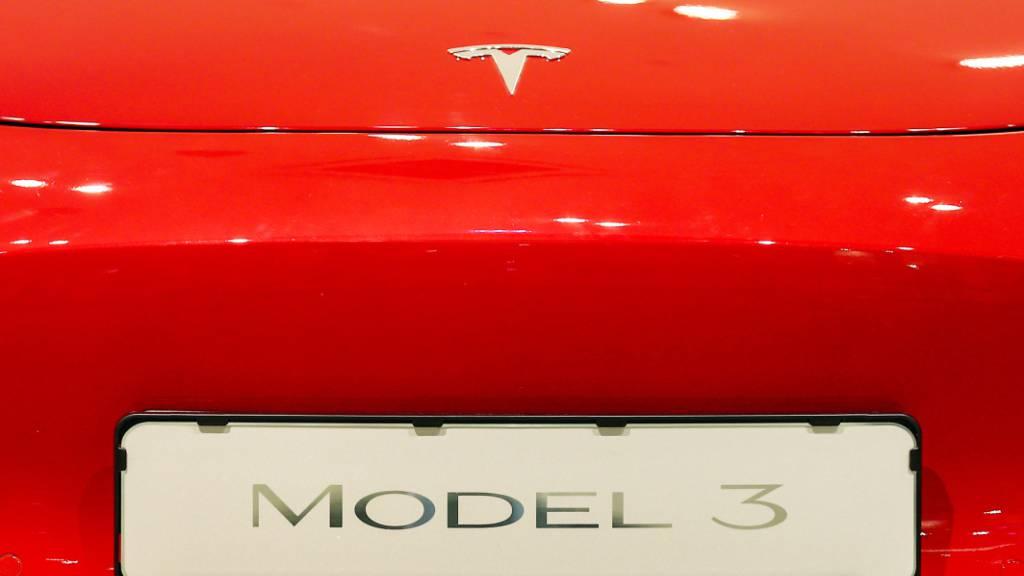 US-Behörde untersucht Unfall von Tesla-Wagen