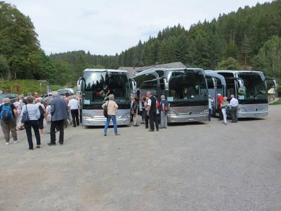 3 Busse von à la carte reisen, Liestal brachten 105 Personen in den Schwarzwald