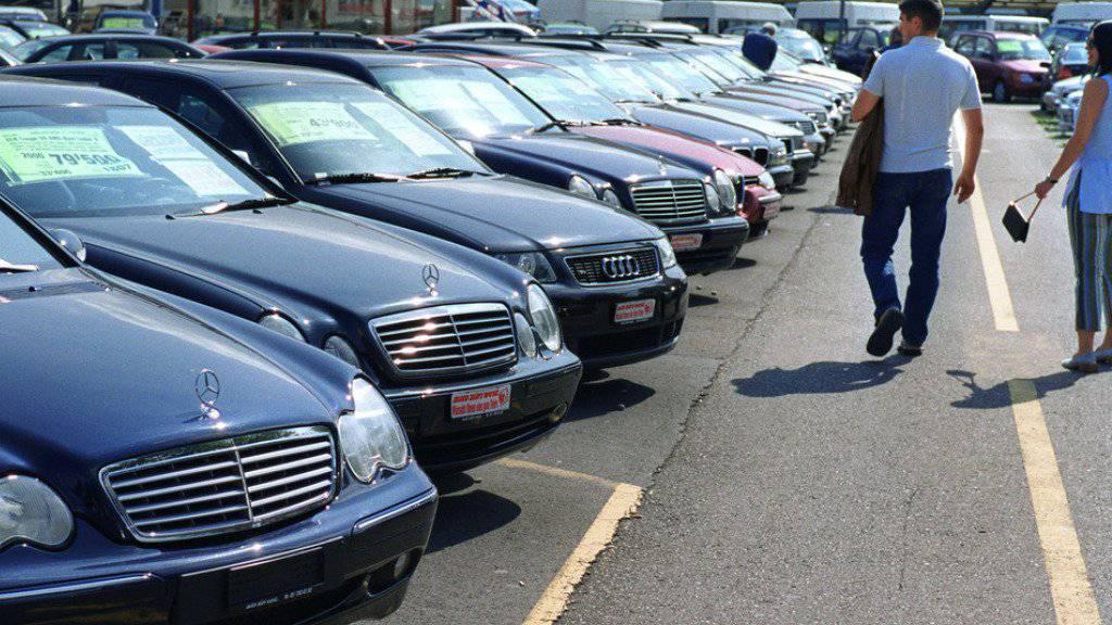 Occasionsautos sind so beliebt wie nie zuvor. In den ersten sechs Monaten dieses Jahres wechselten 441'264 Gebrauchtwagen den Besitzer. (Archivbild)