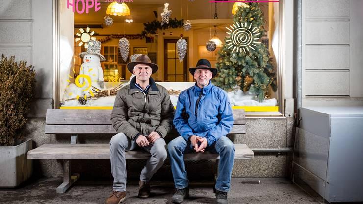 Die «Hope»-Mitarbeiter Patrick Hächler (l.) und Stephan Grossenbacher setzen sich für Gassenleute ein.