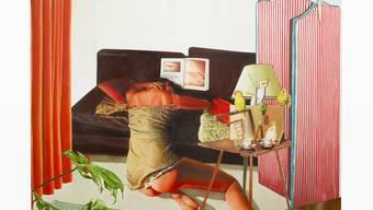 Auch in «Éclosion» (Erwachen) kombiniert Léopold Rabus Alltägliches mit rätselhaften Beigaben wie dem munteren Papageienidyll. Damit schafft er mehrdeutige und unheimliche Stimmungen. aeroplastics Brüssel