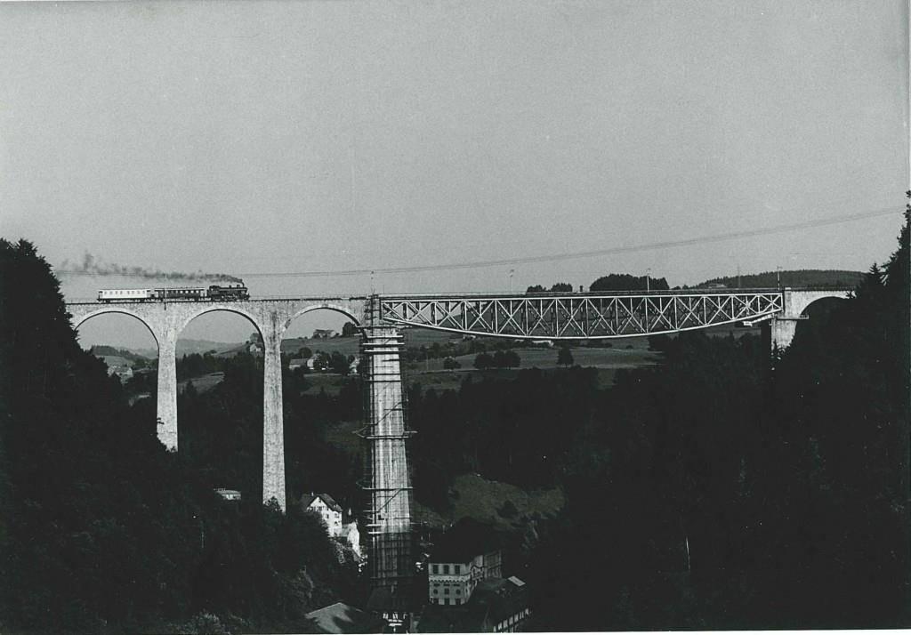 So sah die Brücke vor hundert Jahren aus.