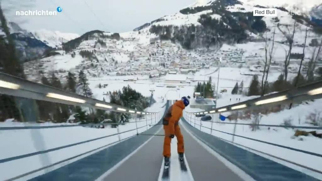 Spektakulärer Sprung von Skisprungschanze Engelberg