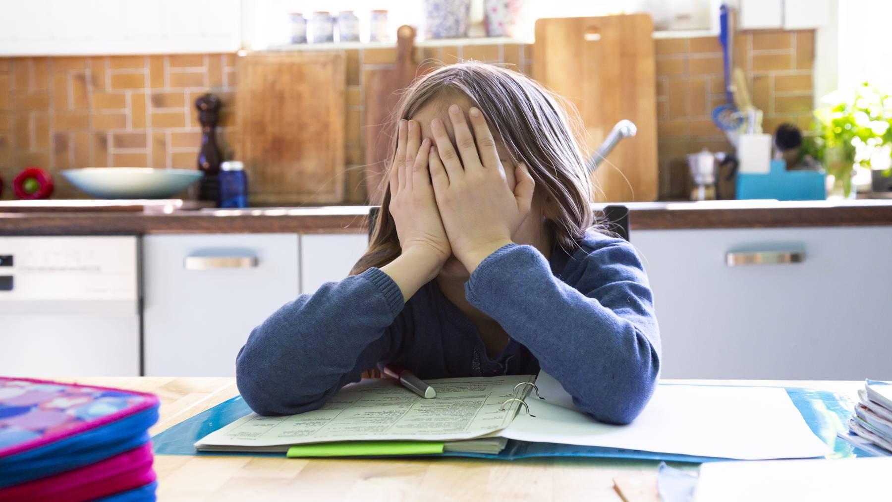 Plötzlich geht nichts mehr: Kinder in Krisensituationen würden schnelle Hilfe brauchen, bekommen sie aber nicht.