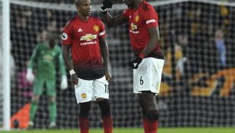 Ideenlos beim Aufsteiger: Paul Pogba (rechts) im Dialog mit dem später vom Platz gestellten Captain Ashley Young