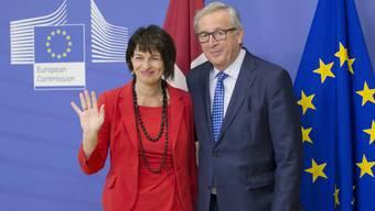 Doris Leuthard und EU-Kommissionspräsident Juncker: SVP und AUNS streben nach einem Ende der Personenfreizügigkeit.