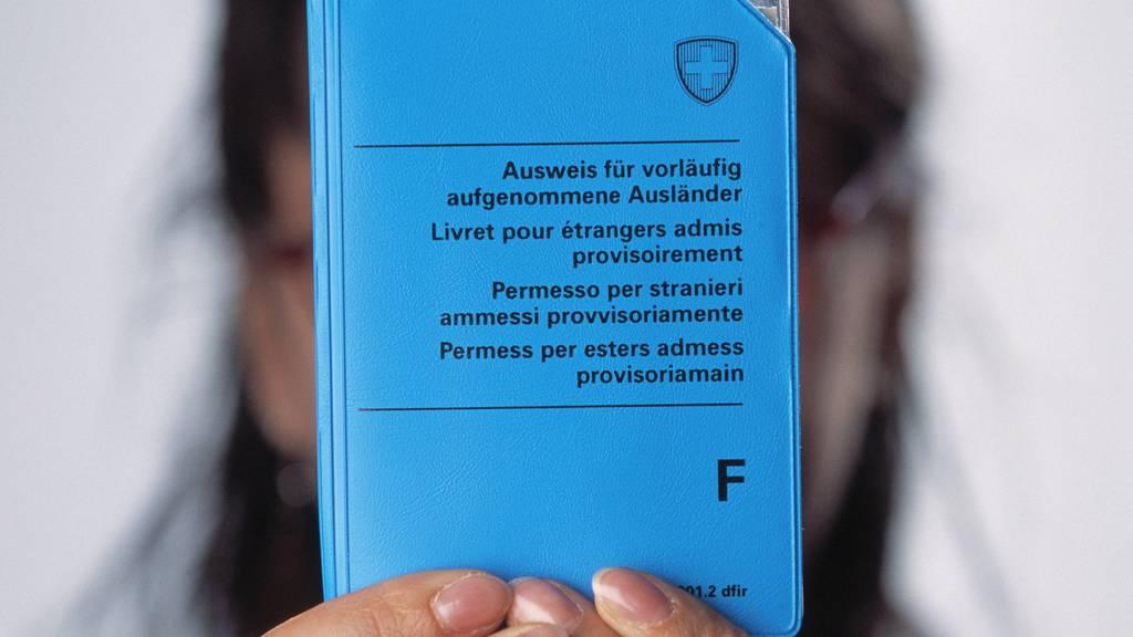 Geht es nach dem Bundesrat, sollen für vorläufig aufgenommene Ausländer strengere Regeln gelten.