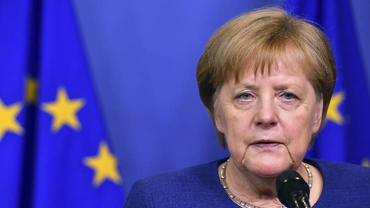 """Noch keine Lösung: Die deutsche Kanzlerin Angela Merkel hat nach dem EU-Asyltreffen von 16 EU-Staaten am Sonntagabend in Brüssel """"viel guten Willen"""" geortete, """"aber auch einige Unterschiede""""."""