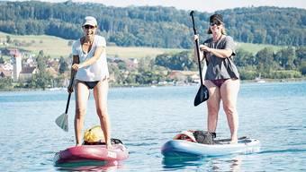 Patrizia Ströbel (l.) und Caroline Lemmenmeier sind Fans der Trendsportart.