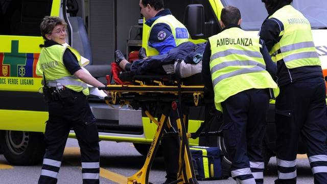 Sanitäter bei einem Einsatz nach einem Unfall im Tessin (Archiv)