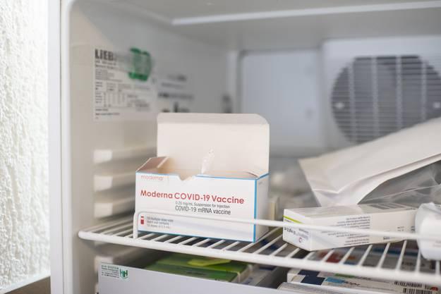 Der Moderna-Impfstoff lässt sich leichter lagern.