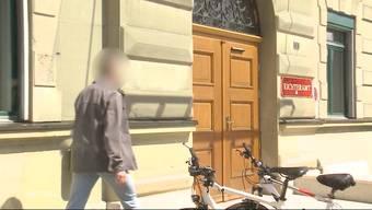 Mit einem Kleinkaliber-Gewehr schoss der Kantonspolizist aus Starrkirch-Wil 2015 in das Haus seines Nachbarn. Nun wurde das Verfahren gegen den 52-Jährigen vom Amtsgericht Olten-Gösgen komplett eingestellt.