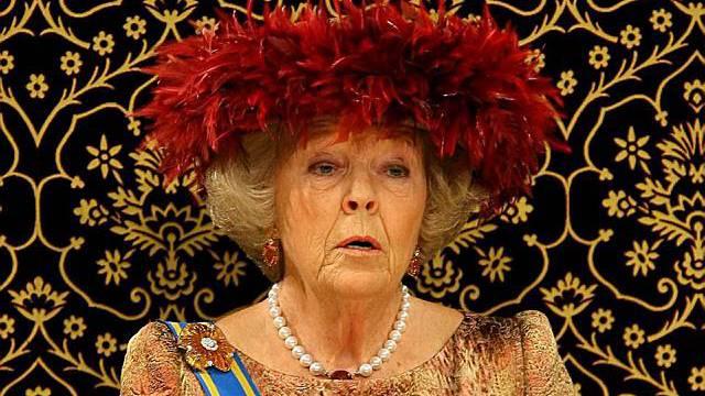 Die Niederländische Königin Beatrix spricht vor dem Parlament