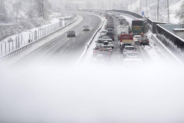 Der Verkehr staute sich zwischen Göschenen und der Raststätte in Erstfeld.
