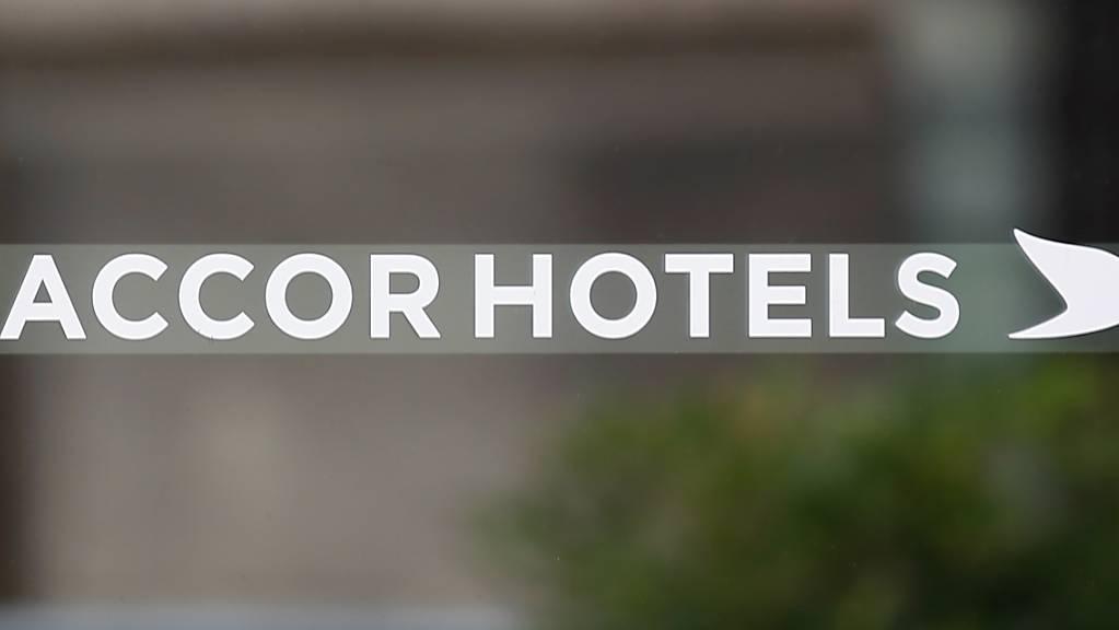 Aufgrund der Flaute in Hotels wegen der Coronavirus-Pandemie will der französische Accor-Konzern rund 1000 Stellen abbauen. (Archivbild)